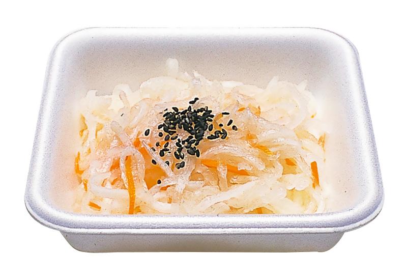 大根なます 仏教国越前で昔から食べられていました。大根を千切にし食酢での味付けです。